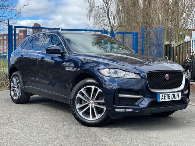 """USED 2018 18 JAGUAR F-PACE 2.0 R-SPORT 5d PANORAMIC SUNROOF 2 KEYS+NAVIGATION WITH SD CARD+1 OWNER FROM NEW+CAMERA+PAN ROOF+PRIVACY GLASS+CLIMATE+PARKING SENSORS+LEATHER TRIM+19""""ALLOYS+BLUETOOTH+MEDIA+USB+AUX+DAB+"""