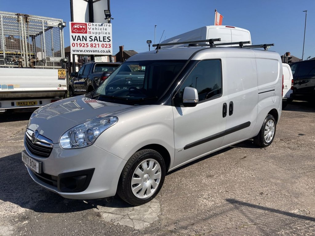 USED 2017 17 VAUXHALL COMBO VAN 1.3 L2H1 2300 SPORTIVE CDTI ECOFLEX S/S 95 BHP 1 OWNER FSH NEW MOT TWIN SLD ROOF RACK  RACKING FREE WARRANTY INCLUDING RECOVERY AND ASSIST NEW MOT TWIN SLD ROOF RACK RACKING