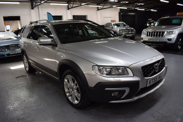 USED 2016 65 VOLVO XC70 2.4 D4 SE LUX AWD 5d 178 BHP 4X4  STUNNING CONDITION - TOP SE LUX SPEC - D4 AWD 4X4 - 8 VOLVO SERVICE TO 1025K INCL CAMBELTS @ 106K - LEATHER - NAV - HEATED SEATS - POWERBOOT