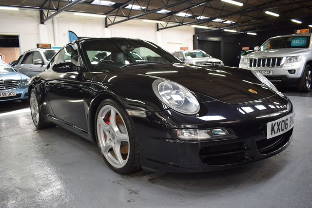 USED 2006 06 PORSCHE 911 MK 997 3.8 CARRERA 2 TIPTRONIC S 2d 355 BHP STUNNING EXAMPLE - BIG SPEC - 7 SERVICES TO 72K - BASALT BLACK - KENWOOD TOUCHSCREEN MEDIA - SWITCHABLE SPORT EXHAUST - HEATED SEATS - SUNROOF - 19 ALLOY WHEELS