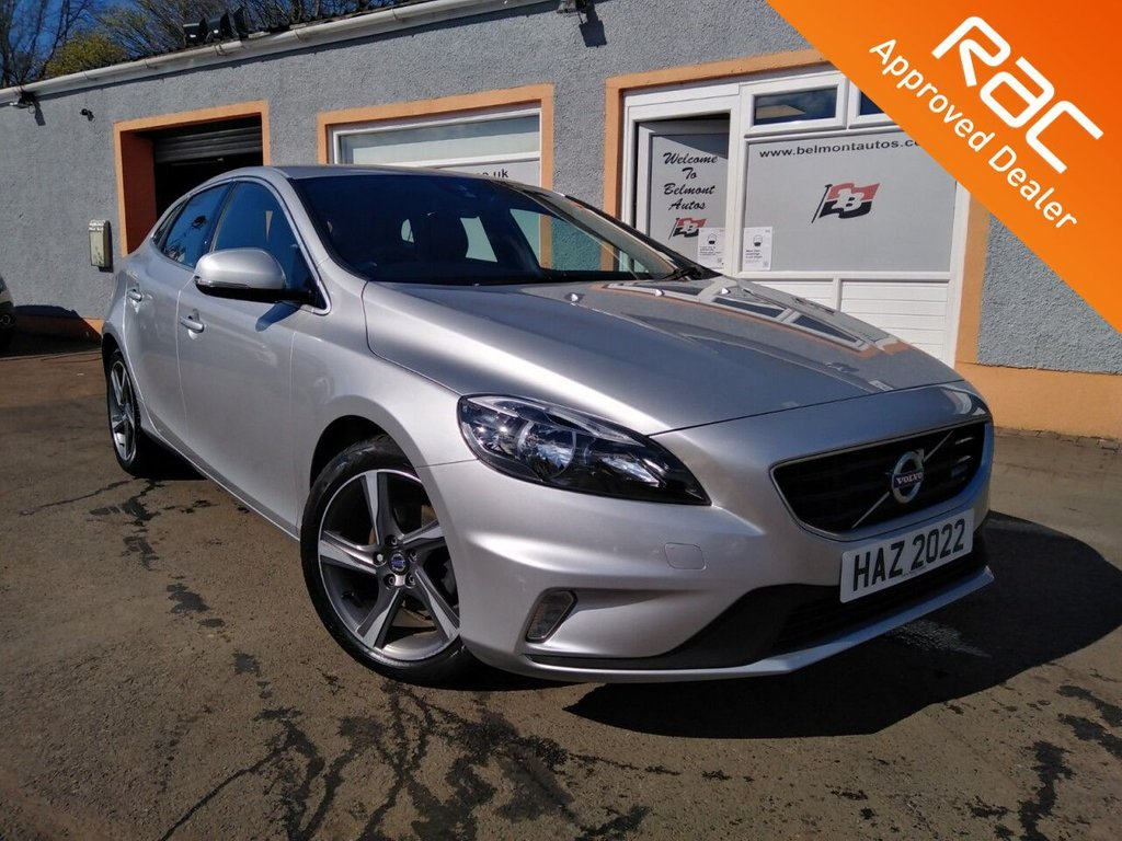 USED 2015 65 VOLVO V40 1.6 D2 R-DESIGN 5d 113 BHP 17 Alloys, Black Piped leather, Cd player, Cruise Control