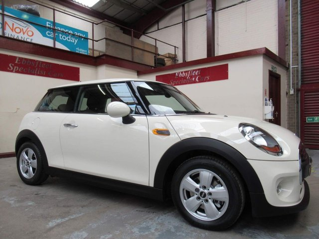 USED 2015 65 MINI HATCH ONE 1.2 One (s/s) 3dr ***28000 MILES  F/S/H***