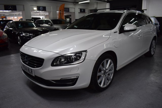 USED 2014 14 VOLVO V60 2.4 D6 PLUG-IN HYBRID AWD 4X4 5d 286 BHP STUNNING CONDITION - RARE PLUG IN HYBRID 4X4 - 6 STAMPS TO 78K - £0 TAX - LEATHER - NAV - BLIND SPOT ASSIST - COLLISION ALERT - HEATED SEATS