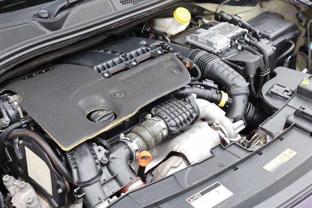 USED 2015 65 CITROEN C4 CACTUS 1.6 BLUEHDI FEEL 5d 98 BHP