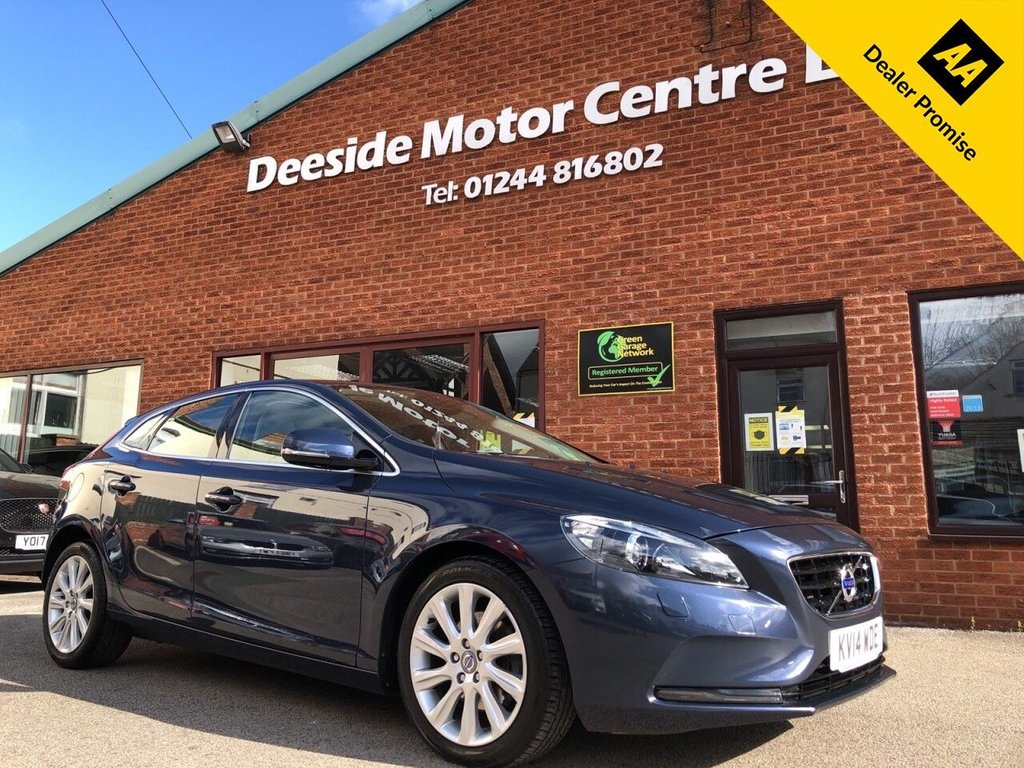 USED 2014 14 VOLVO V40 1.6 D2 SE LUX NAV 5d 113 BHP Full service history : Bluetooth : Sat Nav : DAB Radio : Leather upholstery : Heated front seats + screen : Isofix fittings :    Air-conditioning/Climate control   :   Auto headlights   :   Cruise control/Speed limiter  :      Volvo City Safety system : Volvo Active bending lights : Rear parking sensors