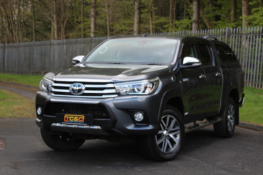 USED 2016 66 TOYOTA HI-LUX 2.4 INVINCIBLE 4WD D-4D DCB 148 BHP A LOW OWNER, HIGH SPECIFICATION HILUX WITH NO VAT TO BE ADDED!!!