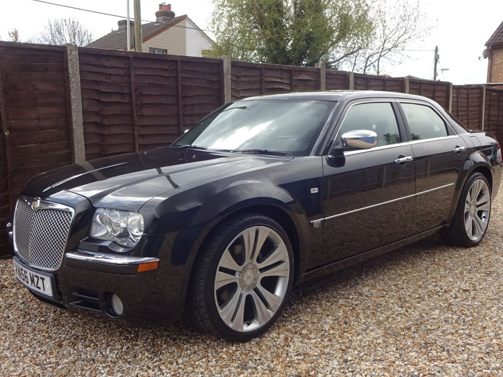 USED 2006 56 CHRYSLER 300C 3.0 CRD AUTOMATIC SALOON 12 MONTHS MOT, GREAT SPEC, LEATHER, SUNROOF ETC ETC