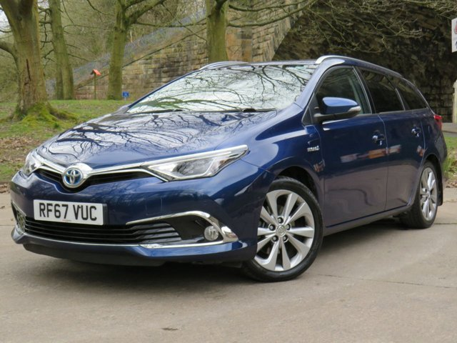 USED 2018 67 TOYOTA AURIS 1.8 VVT-I EXCEL TOURING SPORTS 5d 135 BHP