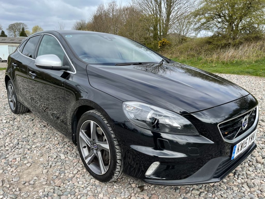 USED 2015 15 VOLVO V40 2.0 D3 R-DESIGN LUX NAV 5d 148 BHP Free Next Day Nationwide Delivery