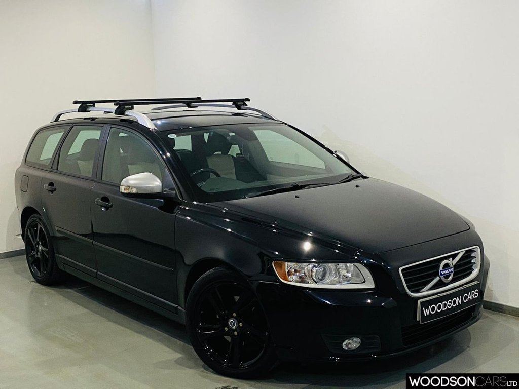 USED 2011 61 VOLVO V50 1.6 DRIVE SE LUX EDITION S/S 5d 113 BHP FREE Road Tax / Bluetooth / Sat Nav / Heated Front Seats / Aux / USB