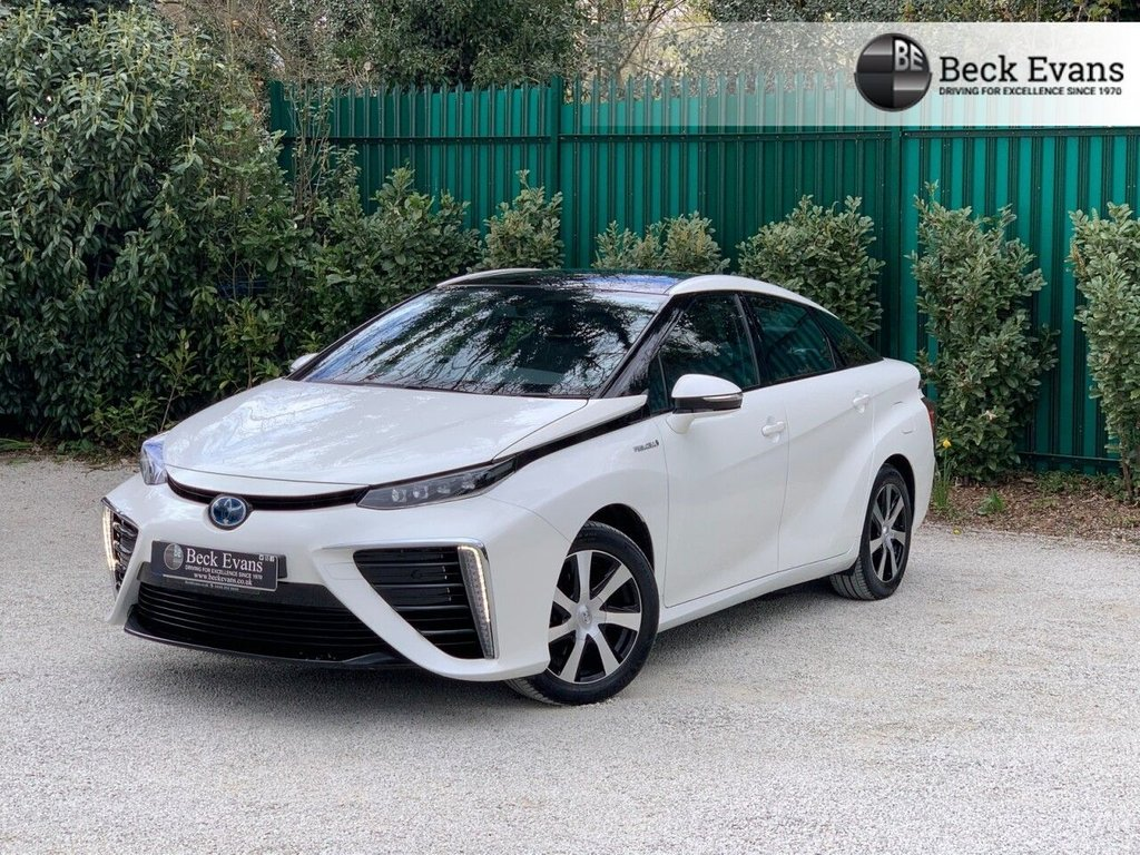USED 2017 17 TOYOTA 1000  FUEL CELL 4d 152 BHP VAT QUALIFYING