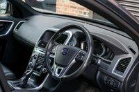 USED 2017 17 VOLVO XC60 2.4 D5 R-DESIGN LUX NAV AWD 5d AUTO 217 BHP