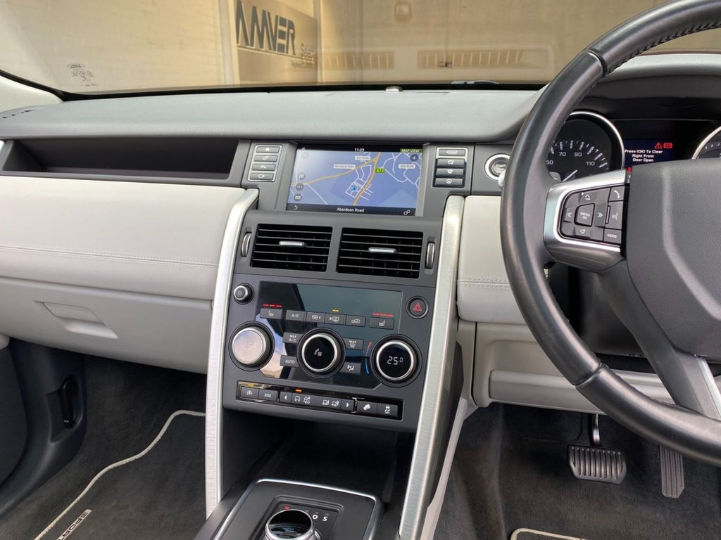 USED 2015 65 LAND ROVER DISCOVERY SPORT 2.0 TD4 HSE 5d 180 BHP