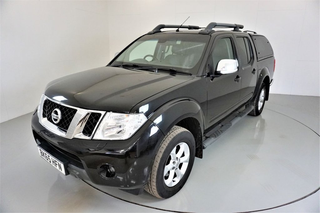 USED 2015 65 NISSAN NAVARA 2.5 DCI TEKNA 4X4 SHR DCB 5d-2 OWNERS FROM NEW-BLACK LEATHER-ALLOY WHEELS-SIDE STEPS-AIR CONDITIONING