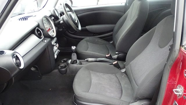 USED 2009 09 MINI HATCH COOPER 1.6 COOPER D 3d 108 BHP £20 ROAD TAX GREAT SPEC