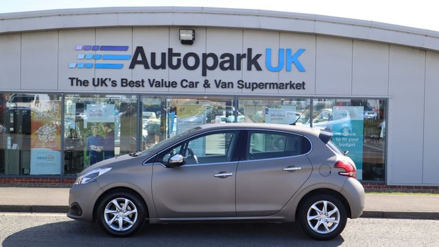USED 2017 67 PEUGEOT 208 1.6 BLUE HDI S/S ACTIVE 5d 75 BHP LOW DEPOSIT OR NO DEPOSIT FINANCE AVAILABLE . COMES USABILITY INSPECTED WITH 30 DAYS USABILITY WARRANTY + LOW COST 12 MONTHS ESSENTIALS WARRANTY AVAILABLE FROM ONLY £199 (VANS AND 4X4 £299) DETAILS ON REQUEST. ALWAYS DRIVING DOWN PRICES . BUY WITH CONFIDENCE . OVER 1000 GENUINE GREAT REVIEWS OVER ALL PLATFORMS FROM GOOD HONEST CUSTOMERS YOU CAN TRUST .