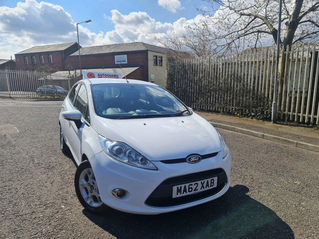 USED 2012 62 FORD FIESTA 1.4 ZETEC 16V 5d 96 BHP A IDEAL FIRST CAR