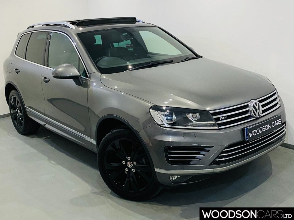 USED 2016 16 VOLKSWAGEN TOUAREG 3.0 V6 R-LINE TDI BLUEMOTION TECHNOLOGY 5d 259 BHP Sat Nav / Panoramic Sunroof / Bluetooth / DAB Radio / Isofix
