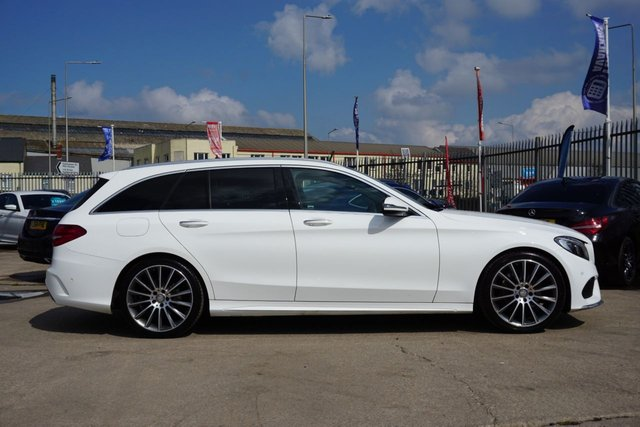 USED 2015 65 MERCEDES-BENZ C-CLASS 2.1 C220 D AMG LINE PREMIUM 5d 170 BHP DRIVES SUPERB, GREAT EXAMPLE, PAN ROOF