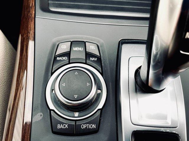 "USED 2011 61 BMW X5 3.0 XDRIVE30D M SPORT 5d 241 BHP GOOD SERVICE HISTORY - LAST FEB 2021 - MOT UNTIL FEB 2022 - PROFESSIONAL NAVIGATION - DEEP SEA BLUE METALLIC PAINT - NEVADA OYSTER LEATHER SEATS - HEATED SEATS - 19"" ALLOY WHEELS"