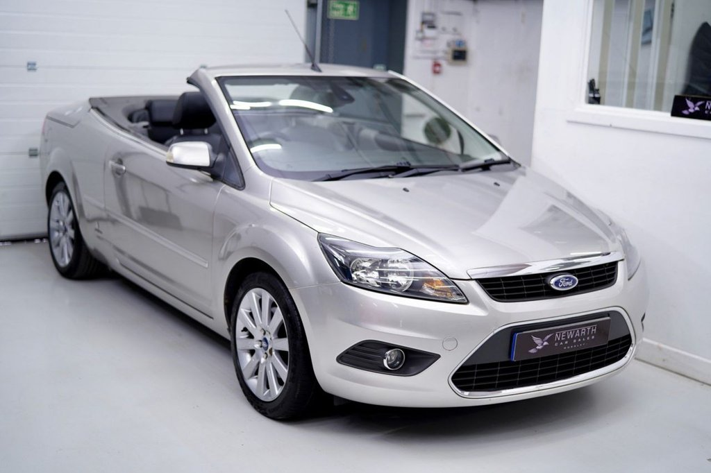 USED 2009 09 FORD FOCUS 2.0 CC-2 2dr Low Mileage Automatic