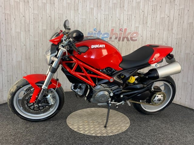 DUCATI Monster 1100 at Rite Bike
