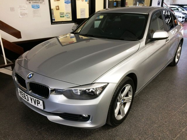"""USED 2013 63 BMW 3 SERIES 2.0 318D SE 4d 141 BHP This 318D SE 4 door saloon is finished in Metallic Glacier Silver with black Dakota heated Leather seats. It is fitted with remote locking, electric windows and mirrors, dual zone climate control, cruise control, rear parking sensors, privacy glass, Bluetooth, heated front seats, auto headlights, 17"""" 5 double spoke alloy wheels, DAB CD Stereo with USB & Aux port and more. It has had comes with a full BMW service history, visits done at 17653/25753/29738/42617 miles. It has a January 2022 MOT."""