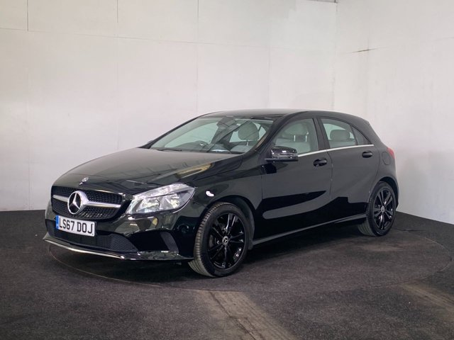 USED 2017 67 MERCEDES-BENZ A-CLASS 1.5 A 180 D SPORT 5d 107 BHP STUNNING COLOUR COMBO + CREAM FAUX LEATHER INTERIOR + REVERSE CAM + APPLE CAR PLAY
