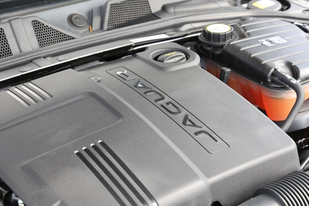 USED 2014 14 JAGUAR XF 2.2 D PREMIUM LUXURY 4d 200 BHP