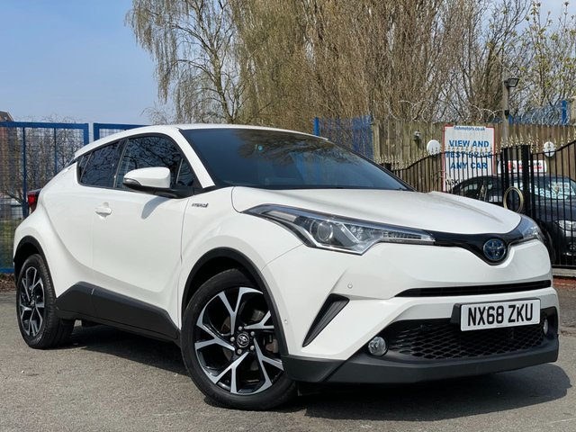 """USED 2018 68 TOYOTA CHR 1.8 DESIGN 5d AUTO 122 BHP 2 KEYS+TOYOTA WARRANTY TILL 07/09/2021+1 OWNER FROM NEW+MEDIA+CLIMATE+REVERSE CAMERA+18""""ALLOYS+USB+NAVIGATION SYSTEM+PARKING SENSORS+PRIVACY GLASS+BLUETOOTH+AUX+DAB"""