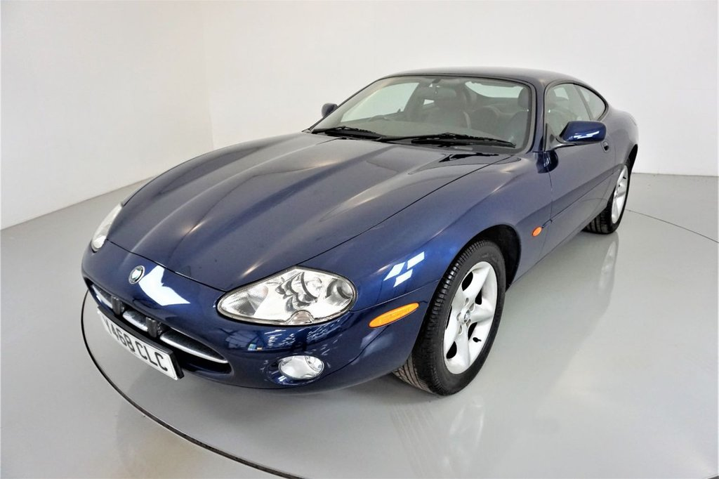 USED 2001 Y JAGUAR XK8 4.0 V8 COUPE 2d AUTO-2 OWNER CAR-LOVELY LOW MILEAGE EXAMPLE-BLACK LEATHER SEATS-17