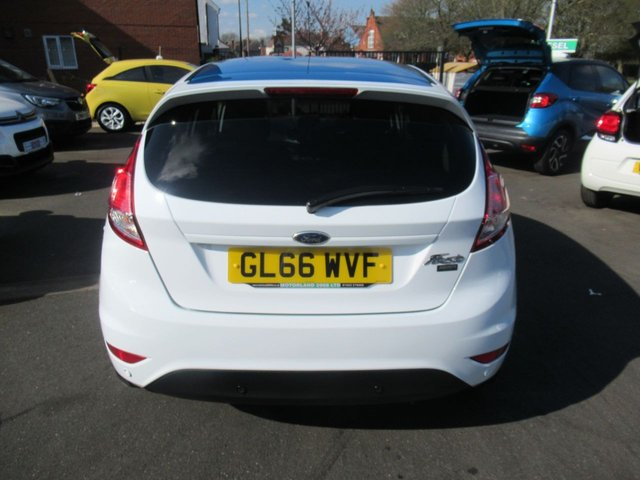 USED 2017 66 FORD FIESTA 1.2 ZETEC WHITE EDITION SPRING 5d 81 BHP CALL 01543 379066... 12 MONTHS MOT... 6 MONTHS WARRANTY... 5 DOOR.. JUST ARRIVED