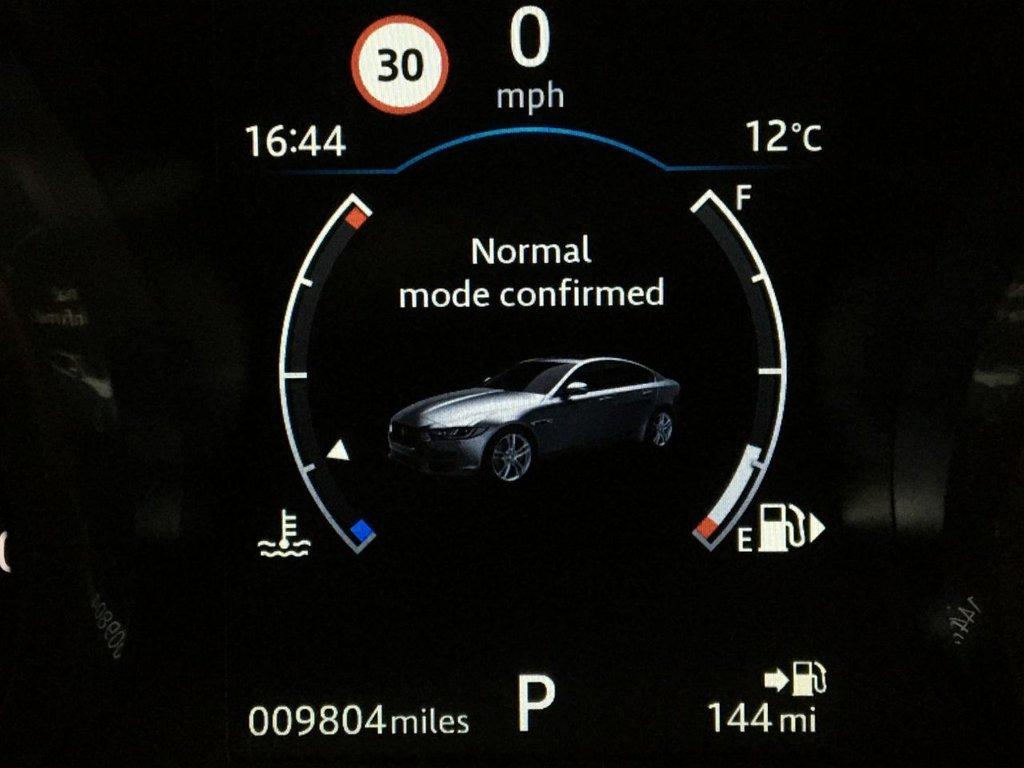 USED 2018 18 JAGUAR XE 2.0 D PORTFOLIO 4d 178 BHP