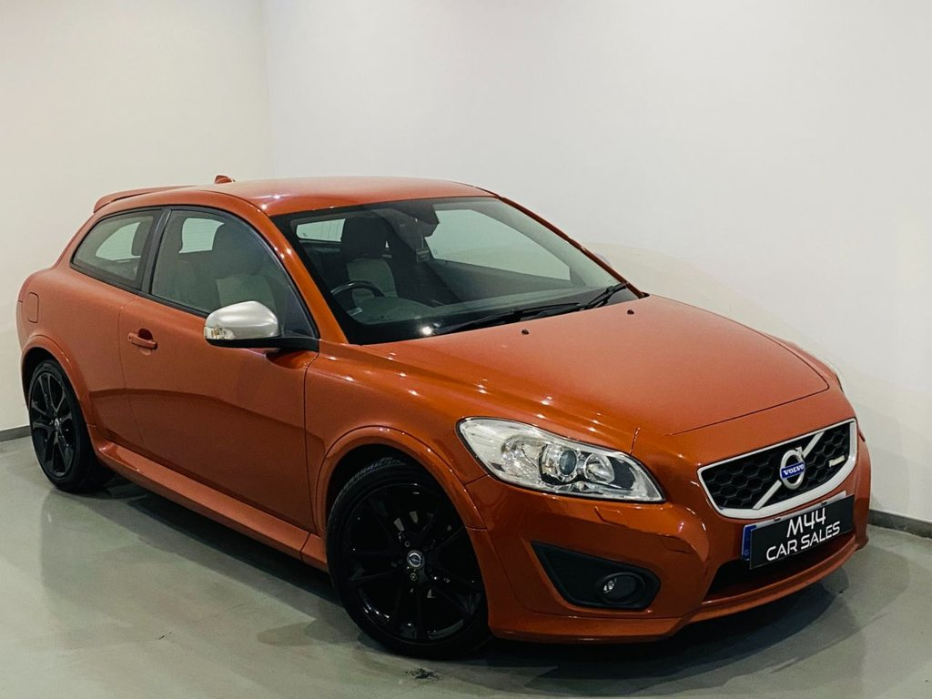 USED 2010 10 VOLVO C30 2.0 D R-DESIGN 3d 136 BHP Isofix / Aux / Central locking / Alloy Wheels / Heated Front Seats