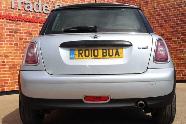 MINI HATCH ONE at Derby Trade Cars
