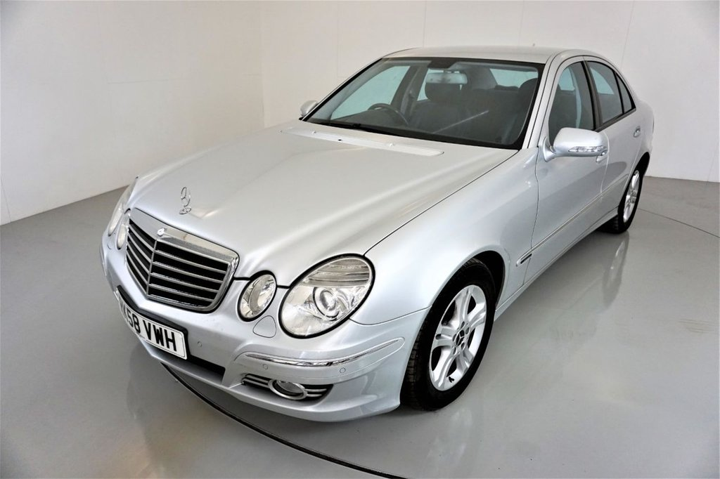 USED 2008 58 MERCEDES-BENZ E-CLASS 2.1 E220 CDI AVANTGARDE 4d-2 FORMER KEEPERS-HALF LEATHER-CRUISE CONTROL-PARKING SENSORS