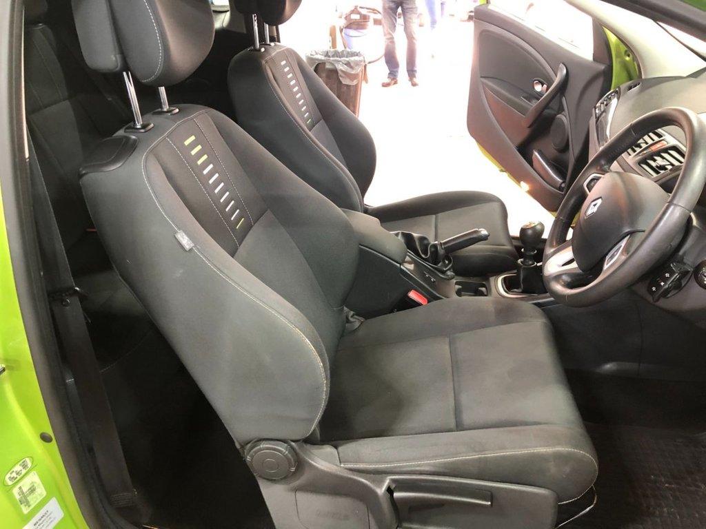 USED 2010 07 RENAULT MEGANE 1.6 I-MUSIC VVT LONG MOT SERVICE HISTROY LONG MOT SERVICE HISTORY CLEAN GREEN CAR