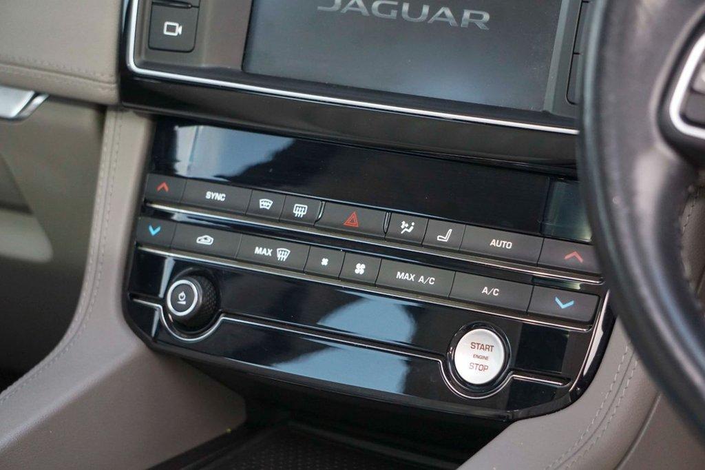 USED 2016 66 JAGUAR F-PACE 2.0 PORTFOLIO AWD 5d 178 BHP