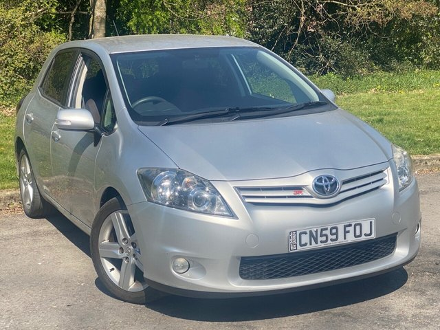 USED 2010 59 TOYOTA AURIS 1.6 SR VALVEMATIC  5d 132 BHP GREAT VALUE FOR MONEY HATCHBACK
