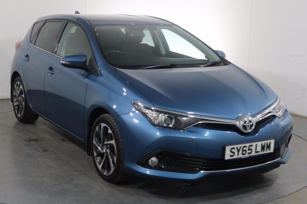 USED 2015 65 TOYOTA AURIS 1.2 VVT-I DESIGN 5d 114 BHP 2 OWNERS with 6 Stamp SERVICE HISTORY
