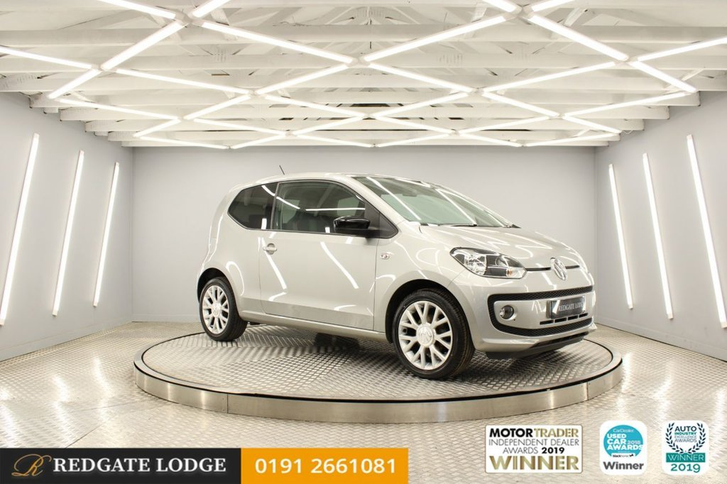 USED 2014 63 VOLKSWAGEN UP 1.0 GROOVE UP 3d 74 BHP ALLOY WHEELS, REMOTE LOCKING, AIR/CON, HEATED SEATS, MAPS AND MORE DOCK, LOW TAX AND INSURANCE...