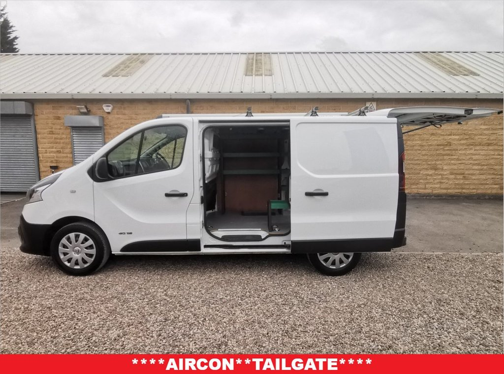 USED 2015 65 RENAULT TRAFIC 1.6 SL29 BUSINESS DCI S/R P/V 115 BHP