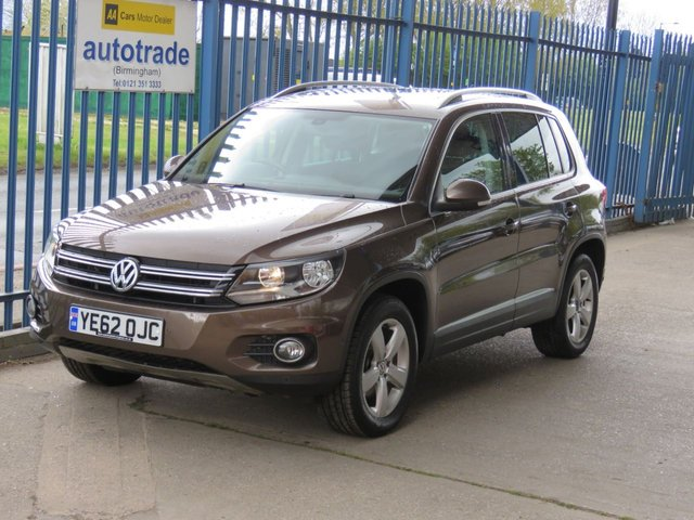 USED 2012 62 VOLKSWAGEN TIGUAN 2.0 ESCAPE TDI BLUEMOTION TECHNOLOGY 4MOTION 5dr 138  Pan roof DAB Privacy glass Bluetooth & audio Finance arranged Part exchange available Open 7 days