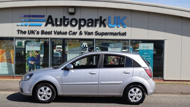 USED 2010 59 KIA RIO 1.4 STRIKE 5d 96 BHP . LOW DEPOSIT NO CREDIT CHECKS SHORTFALL SHORT TERM FINANCE AVAILABLE ON THIS VEHICLE (AT THE MOMENT ONLY AVAILABLE TO CUSTOMERS WITH A NORTH EAST POSTCODE (ASK FOR DETAILS) . COMES USABILITY INSPECTED WITH 30 DAYS USABILITY WARRANTY + LOW COST 12 MONTHS USABILITY WARRANTY AVAILABLE FOR ONLY £199 (VANS AND 4X4 £299) DETAILS ON REQUEST. MAKING MOTORING MORE AFFORDABLE. . . BUY WITH CONFIDENCE . OVER 1000 GENUINE GREAT REVIEWS OVER ALL PLATFORMS FROM GOOD HONEST CUSTOMERS YOU CAN TRUST .