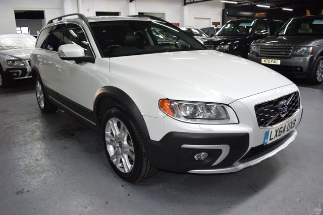 USED 2014 64 VOLVO XC70 2.4 D5 SE LUX AWD 5d 212 BHP 4X4 AUTO STUNNING CONDITION THROUGHOUT - ONE PREVIOUS KEEPER - 7 VOVLVO STAMPS TO 97K - LEATHER - NAV - BLIND SPOT ASSIST - LANE ASSIST - COLLISON ALERT