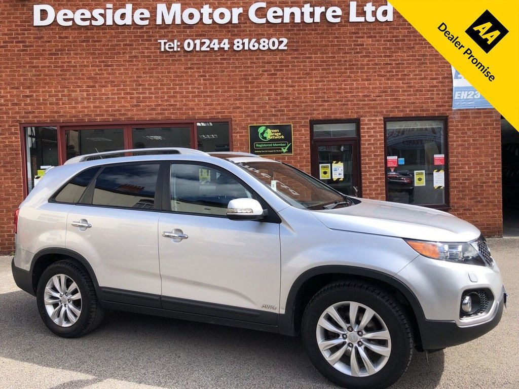 USED 2010 60 KIA SORENTO 2.2 CRDI KX-3 5d 195 BHP Twin Sunroofs : Family 7-Seater : Bluetooth : Full leather upholstery : Electric/Heated front seats : Isofix fittings : Air-conditioning : Cruise control : Auto headlights/wipers : Kia Hill descent control system : Rear parking sensors : Cargo/Load cover