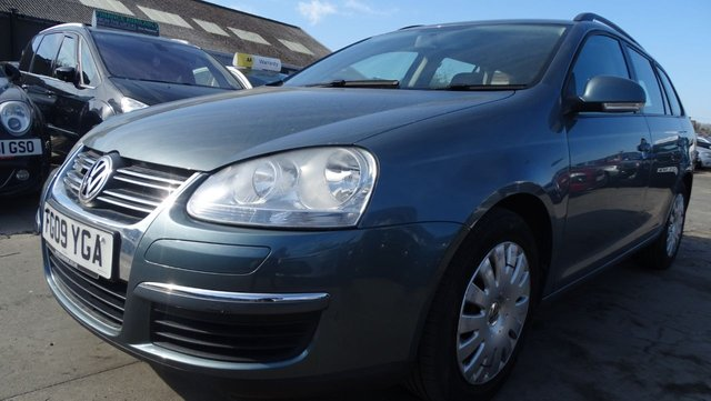 USED 2009 09 VOLKSWAGEN GOLF 1.9 BLUEMOTION TDI 5d 103 BHP 1 OWNER