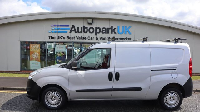 USED 2017 17 VAUXHALL COMBO VAN 1.2 L2H1 2300 CDTI ECOFLEX S/S 95 BHP LOW DEPOSIT OR NO DEPOSIT FINANCE AVAILABLE . COMES USABILITY INSPECTED WITH 30 DAYS USABILITY WARRANTY + LOW COST 12 MONTHS ESSENTIALS WARRANTY AVAILABLE FROM ONLY £199 (VANS AND 4X4 £299) DETAILS ON REQUEST. ALWAYS DRIVING DOWN PRICES . BUY WITH CONFIDENCE . OVER 1000 GENUINE GREAT REVIEWS OVER ALL PLATFORMS FROM GOOD HONEST CUSTOMERS YOU CAN TRUST .