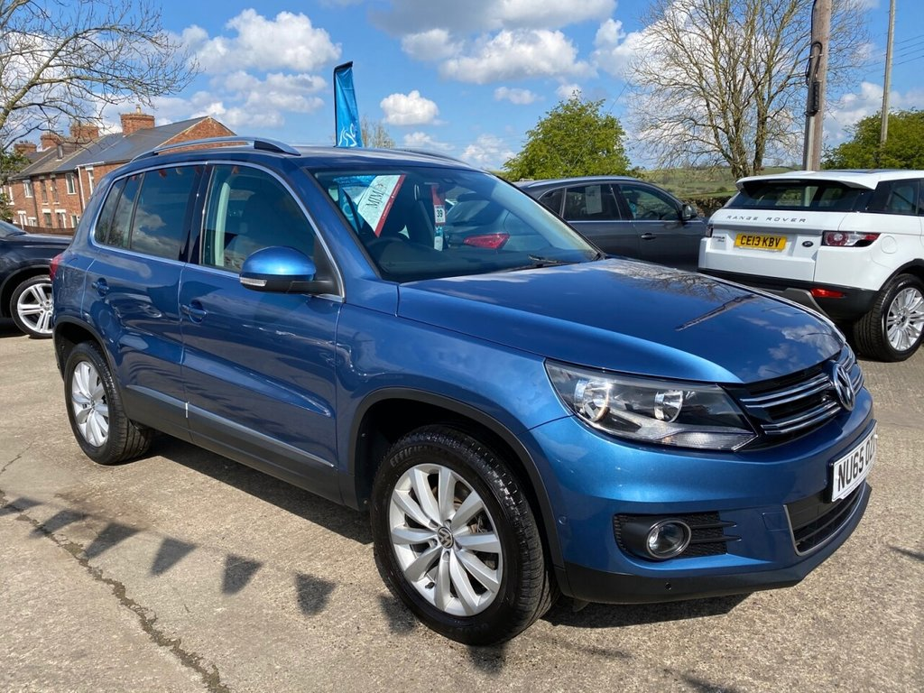 USED 2015 65 VOLKSWAGEN TIGUAN 2.0 MATCH TDI BLUEMOTION TECHNOLOGY 4MOTION 5d 148 BHP * 1 OWNER * SAT NAV * CRUISE * PARK AID * BLUETOOTH * STUNNING THROUGHOUT *