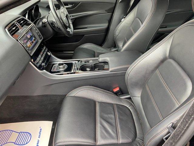 USED 2017 17 JAGUAR XE 2.0 PRESTIGE 4d 178 BHP FULL LEATHER